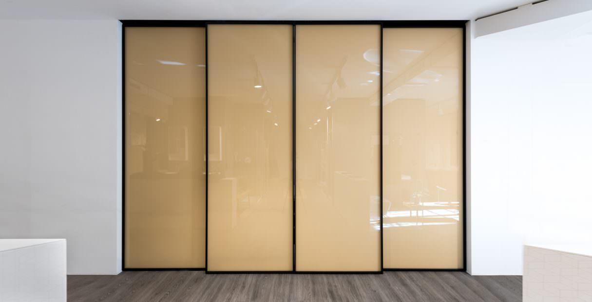 Linvisibile_Marechiaro_GiulioCappellini_home_Showroom_Milan_Italy_invisibledoors-1215x621